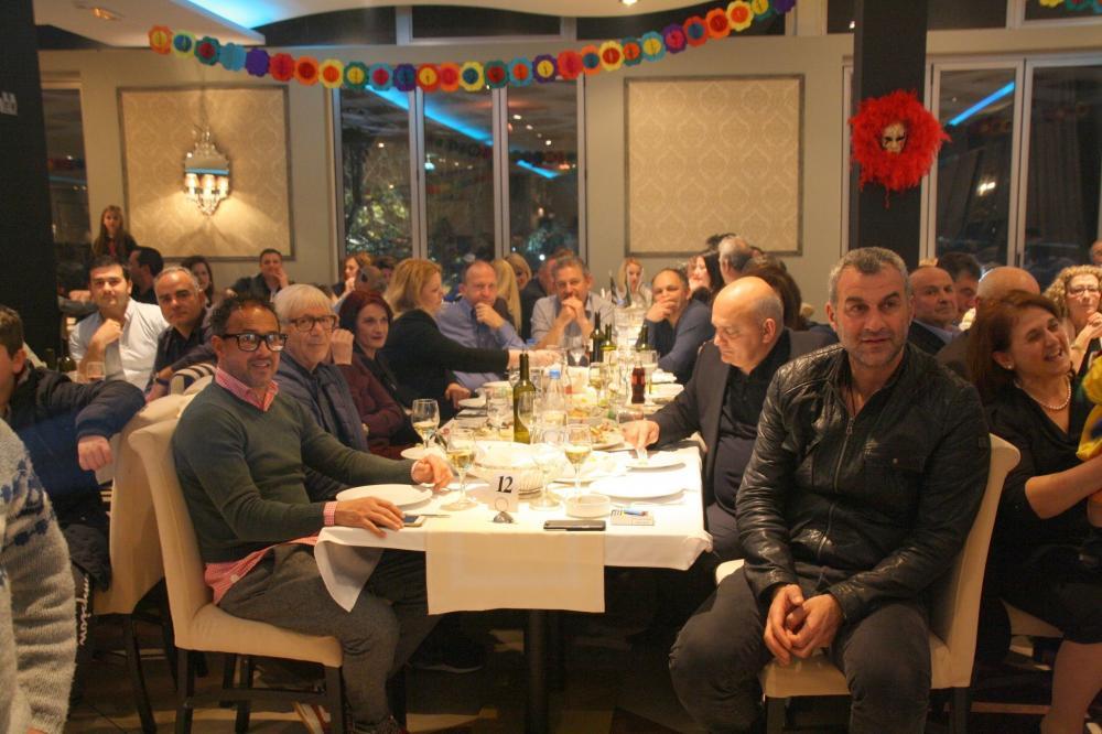 Επιτυχημένη η χοροεσπερίδα των Συλλόγων Καλυβίων