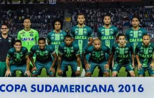 Συνετρίβη το αεροσκάφος της βραζιλιάνικης Τσαπεκοένσε, μόνο τρεις ποδοσφαιριστές διασώθηκαν!